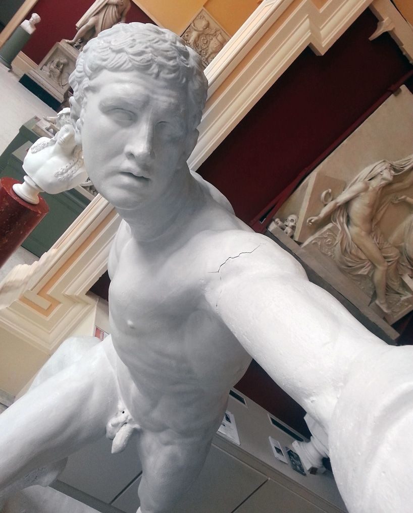 Selfies of Statues