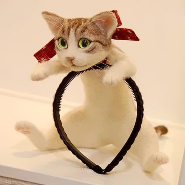 hairband with a kitten