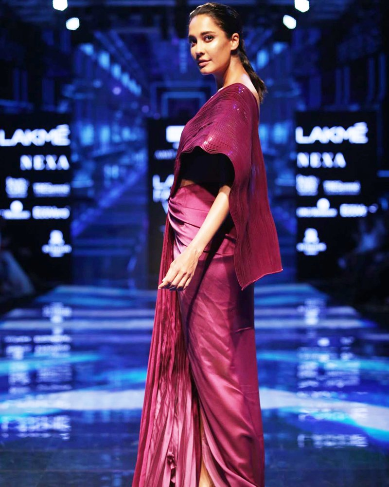 The beautiful Lisa Haydon turned show stopper for the grand show