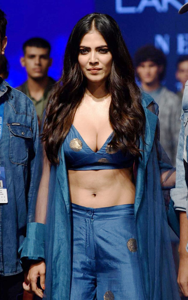 The sultry Malavika Mohanan turned showstopper for designers Vineet Kataria and Rahul Arya