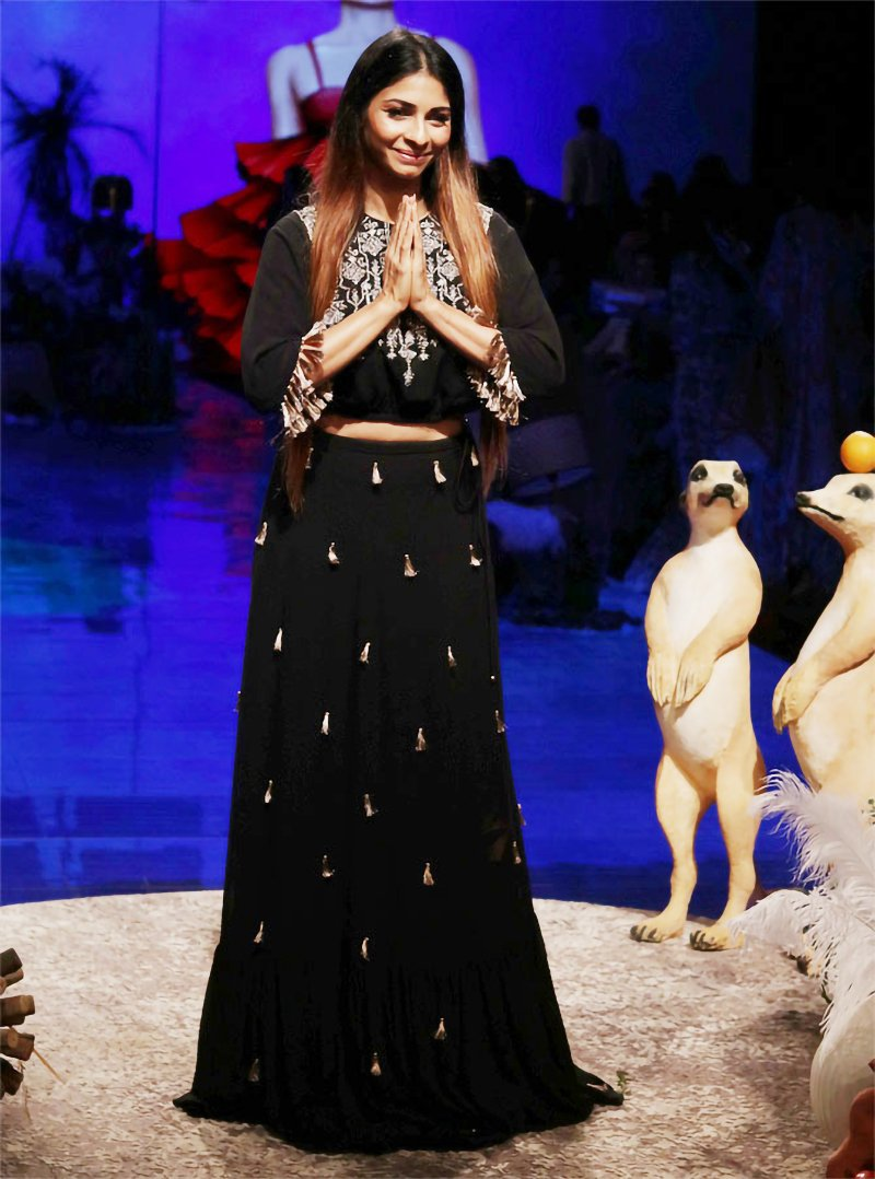 Tanisha Mukerjee was dressed in black and gold separates